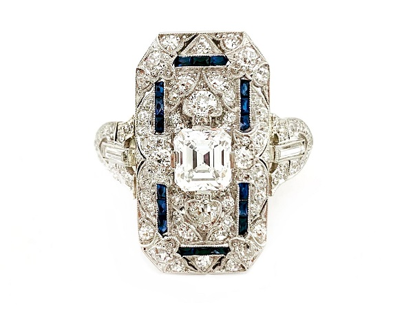 Art Deco Diamond and Sapphire Platinum Setting Ring